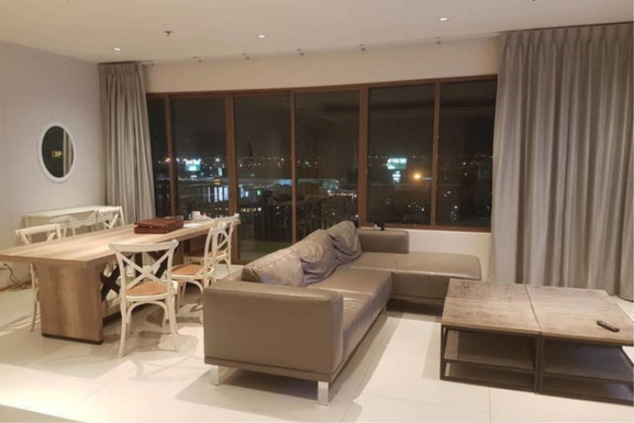 Piri Property Agency's 3 bedrooms Condominium  on 12 floor For Rent 3 1