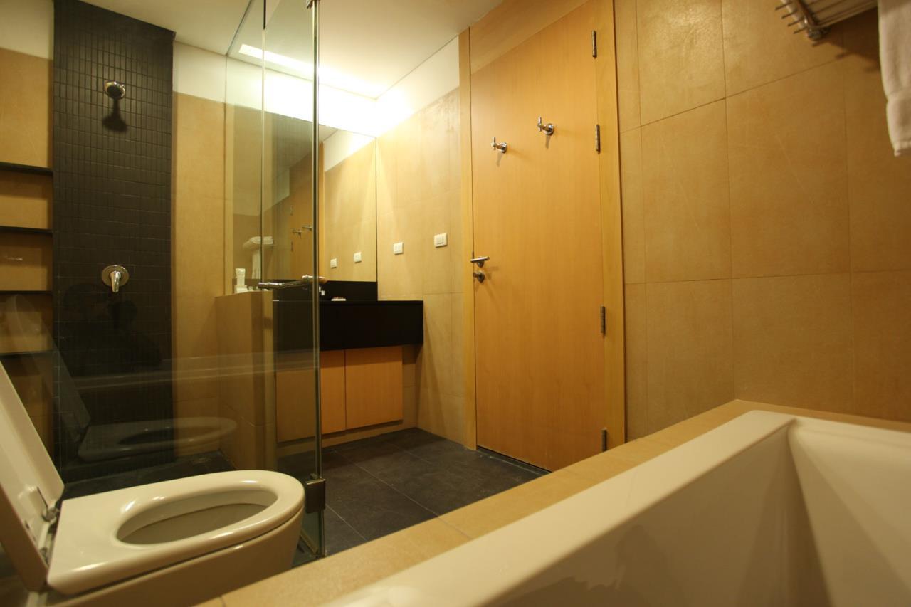 Piri Property Agency's 2 bedrooms Condominium  For Rent 2 4