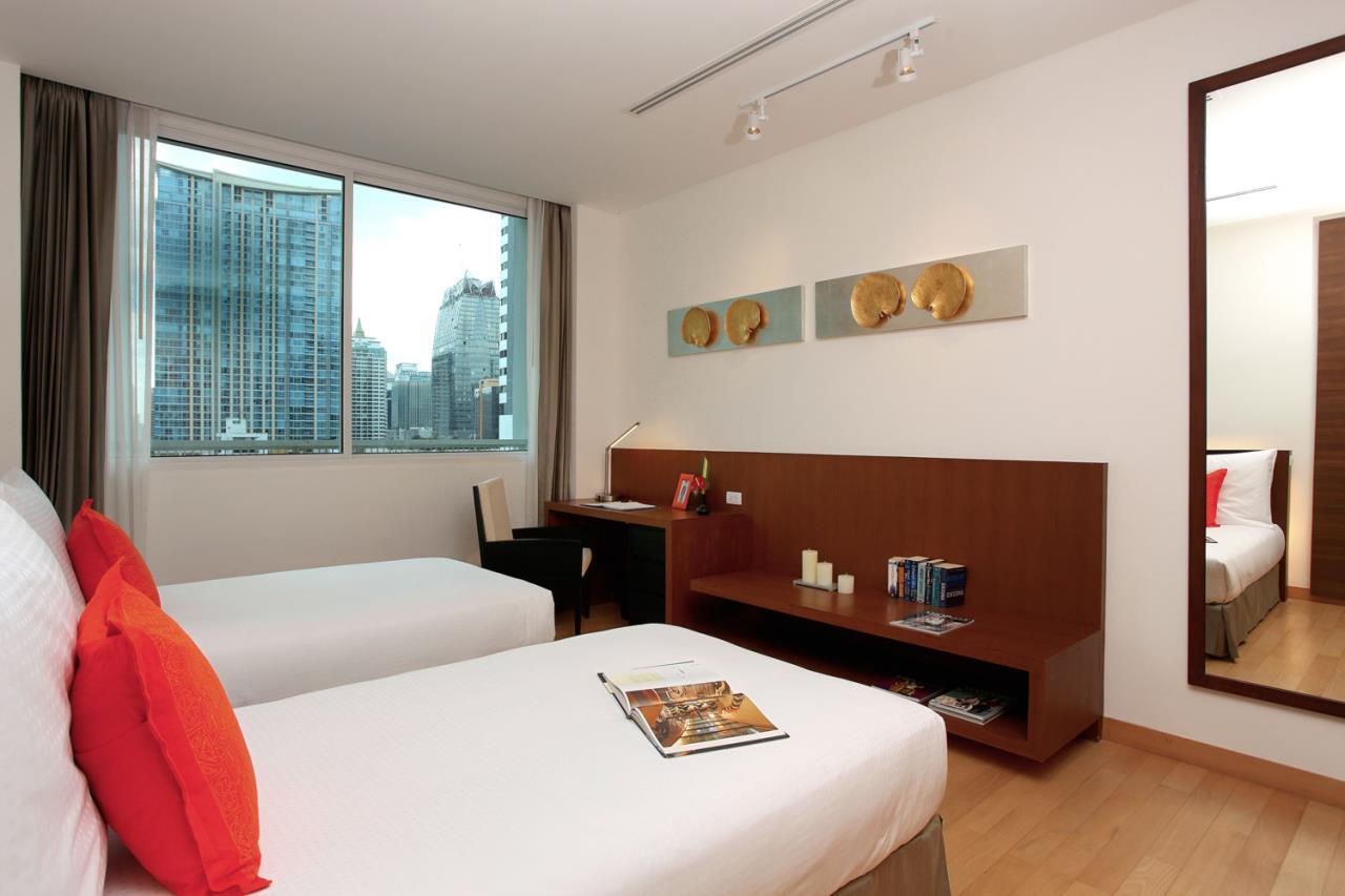Piri Property Agency's 2 bedrooms Condominium  For Rent 2 10