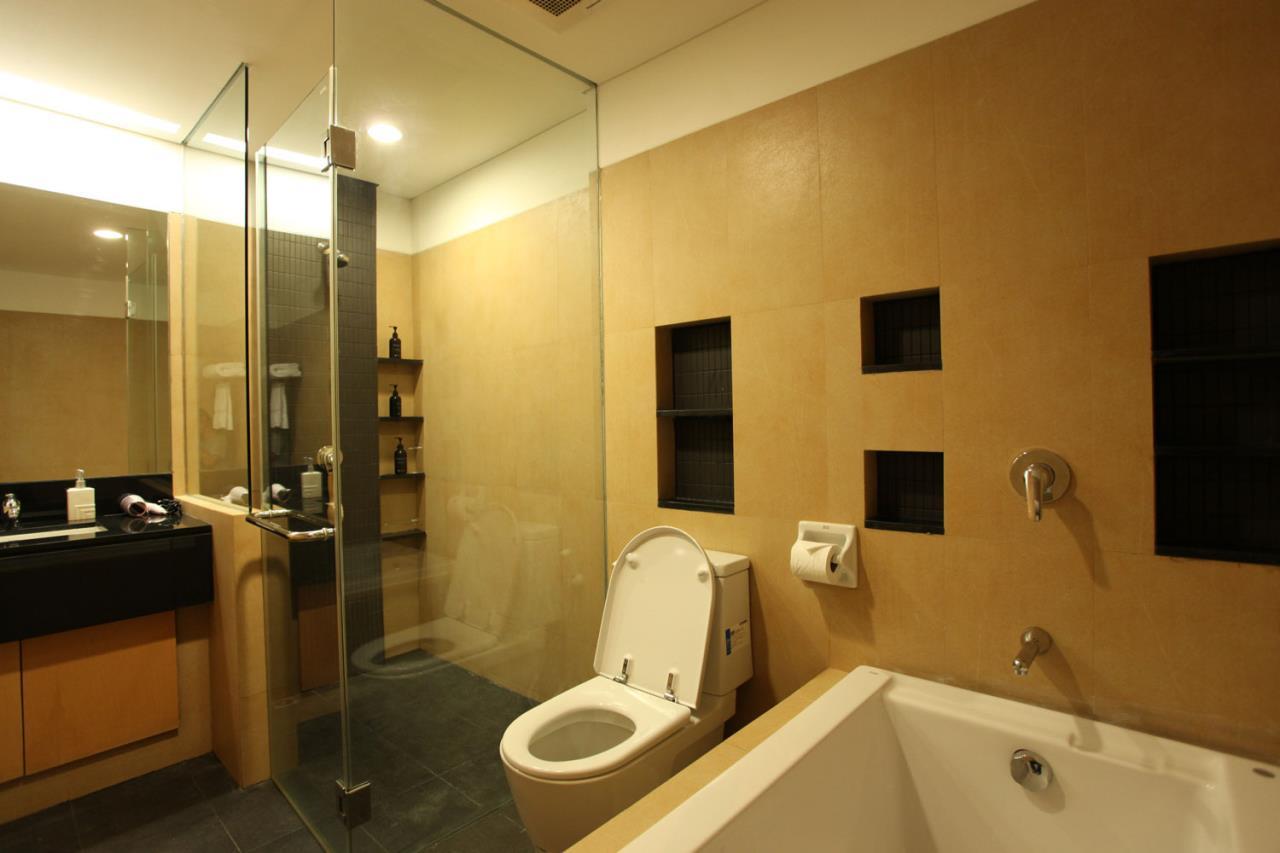 Piri Property Agency's 3 bedrooms Condominium  For Rent 3 4