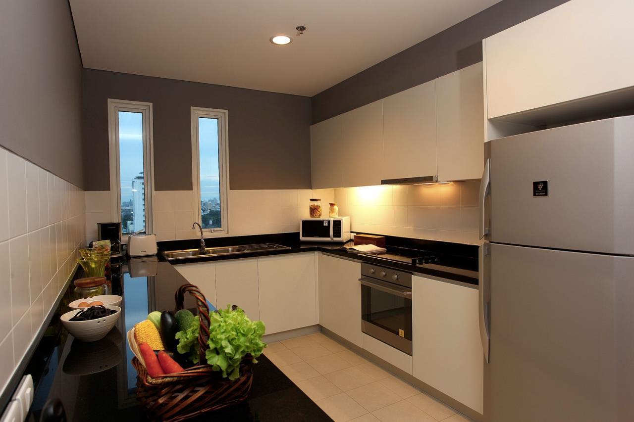 Piri Property Agency's 3 bedrooms Condominium  For Rent 3 5