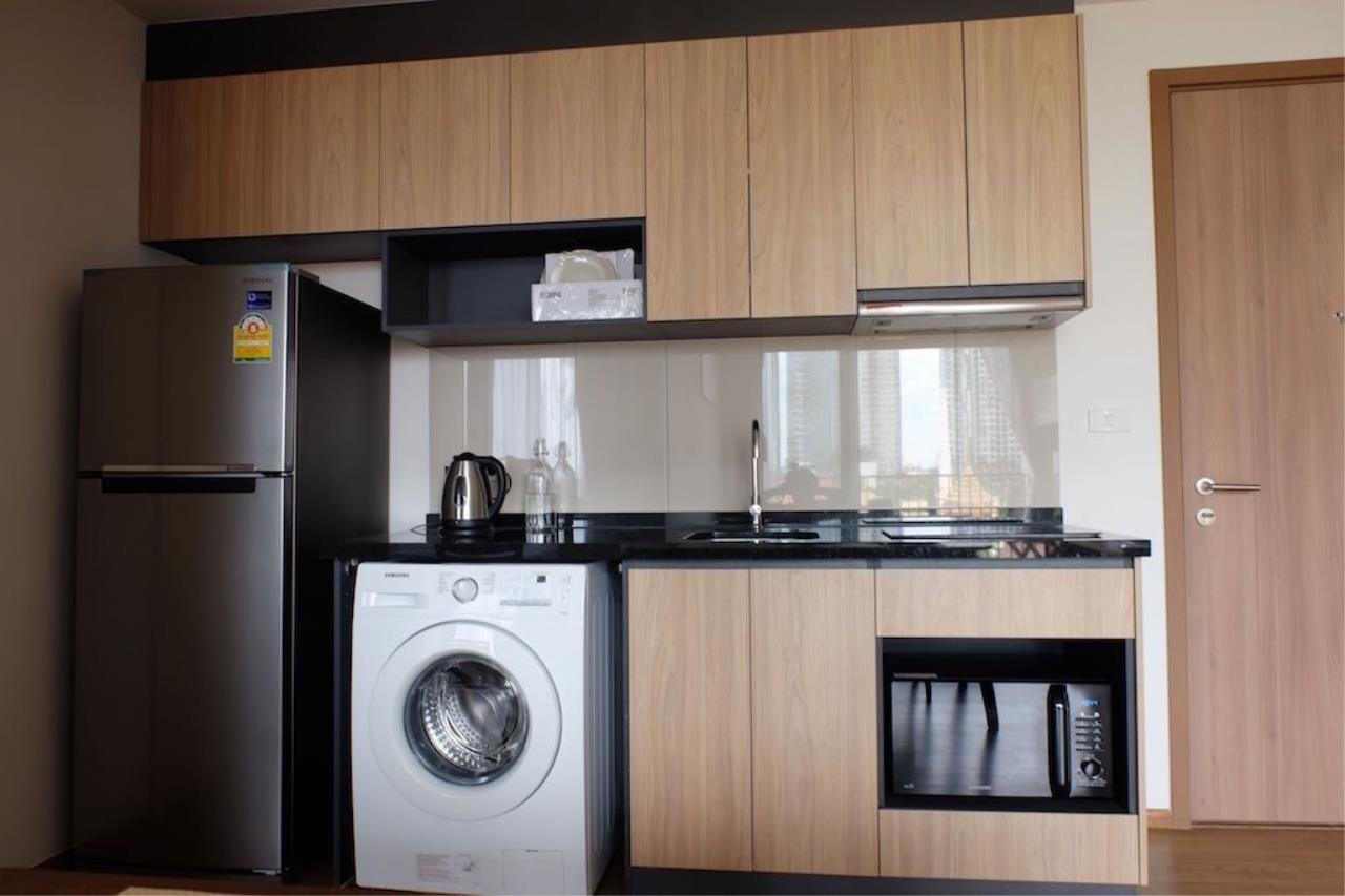 Piri Property Agency's 2 bedrooms Condominium  For Rent 2 12
