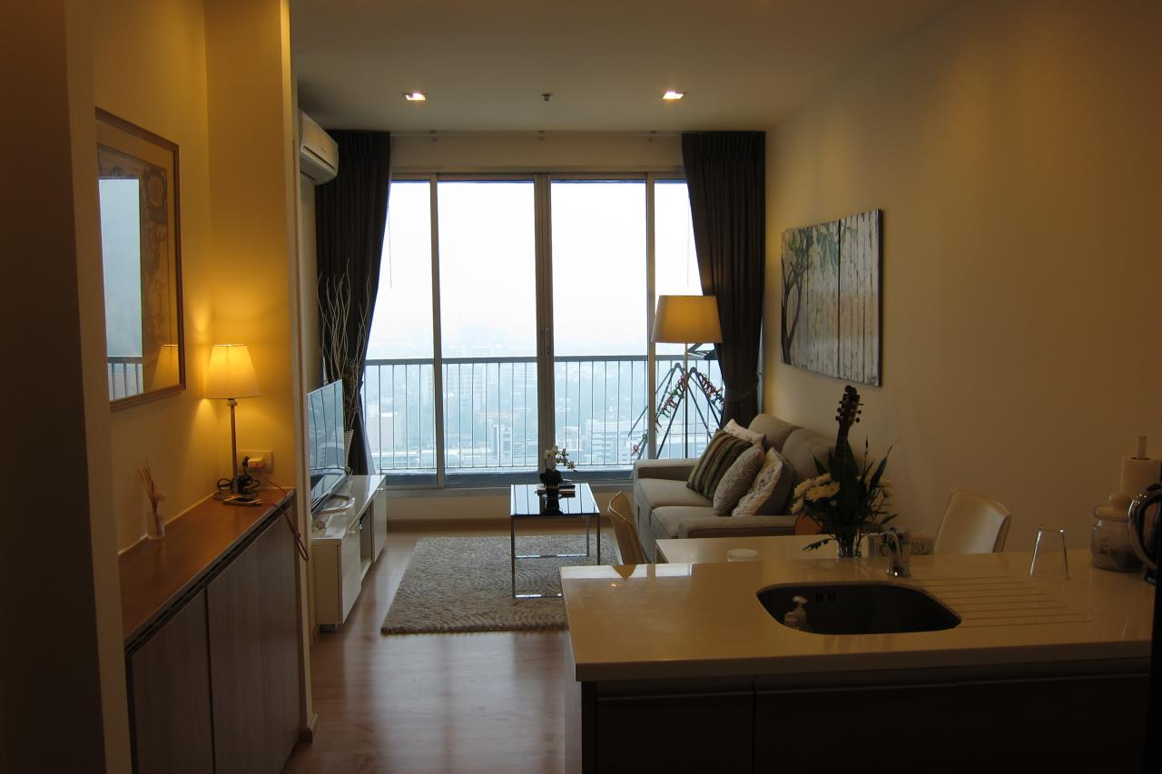 Piri Property Agency's one bedroom Condominium  on 31 floor For Rent 1 14