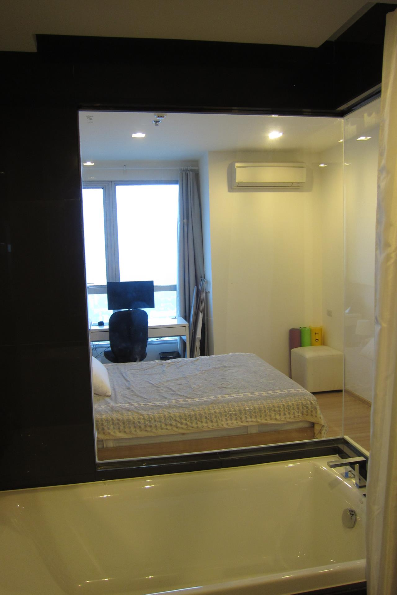 Piri Property Agency's one bedroom Condominium  on 31 floor For Rent 1 17