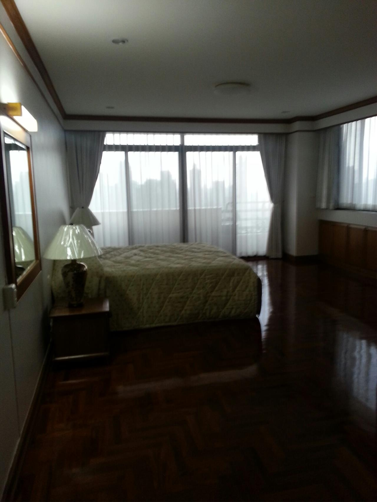 Piri Property Agency's 3+1 bedrooms Condominium  on 23 floor For Rent 3+1 1