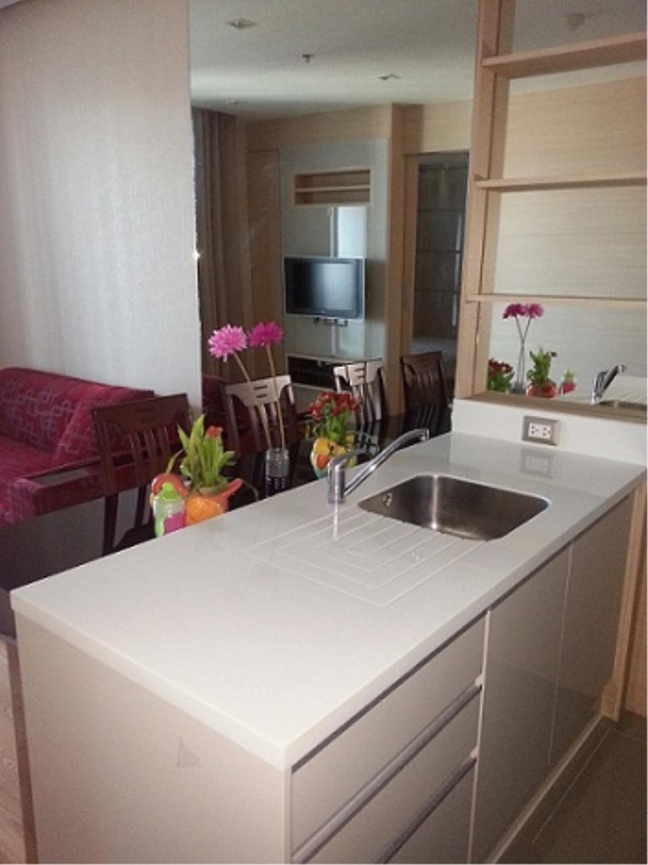 Piri Property Agency's one bedroom Condominium  on 41 floor For Sale 1 2