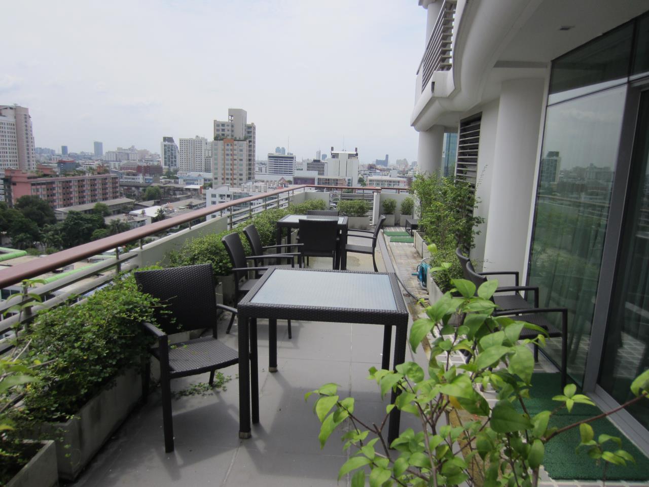 Piri Property Agency's one bedroom Condominium  on 18 floor For Rent 1 1