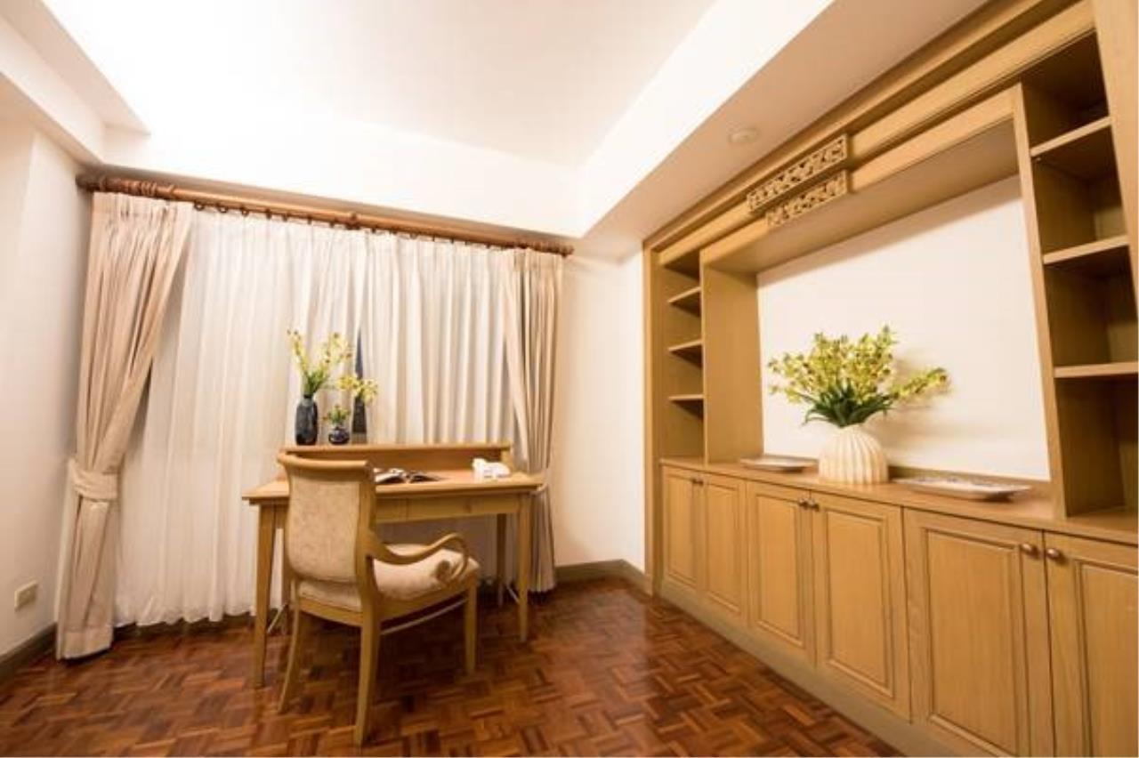 Piri Property Agency's 3 bedrooms   on 10 Building B floor For Rent 3 10