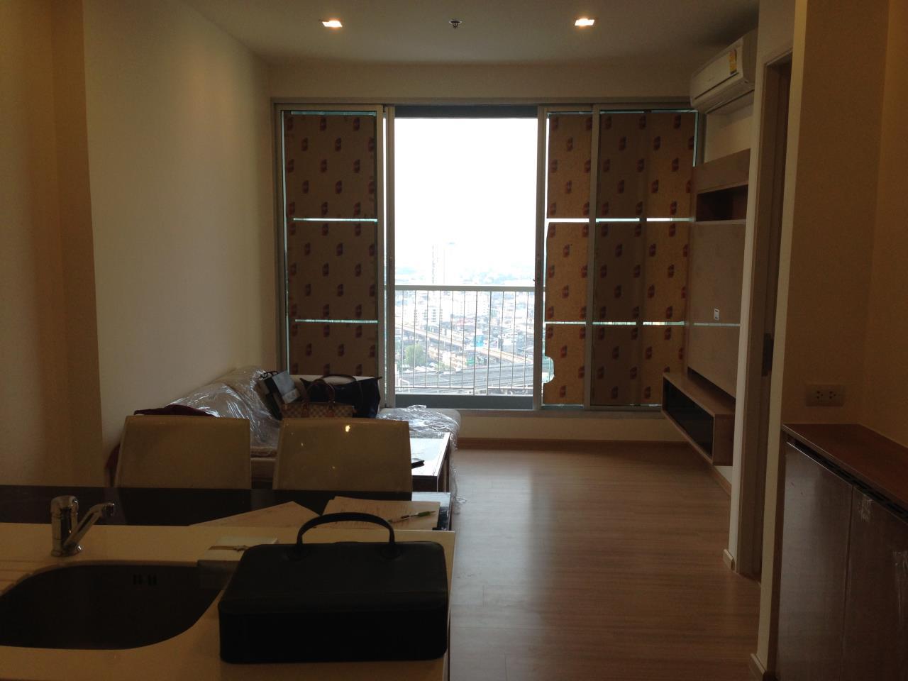 Piri Property Agency's one bedroom Condominium  on 31 floor For Rent 1 5