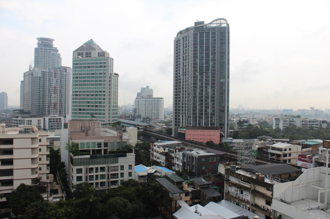 Piri Property Agency's one bedroom Condominium  For Sale 1 6