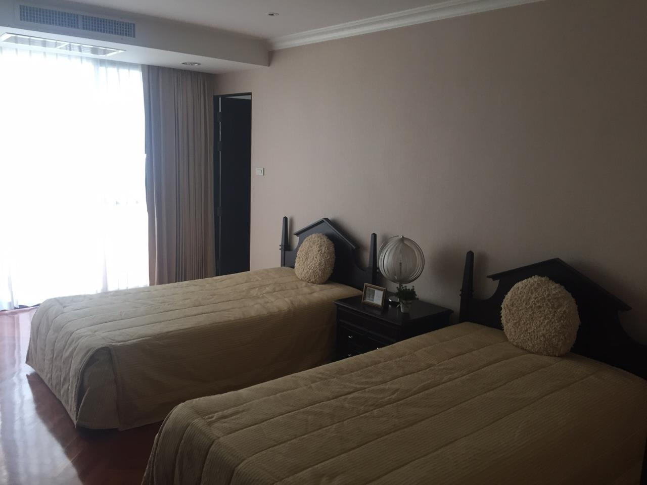 Piri Property Agency's 3 bedrooms Condominium  For Rent 3 5