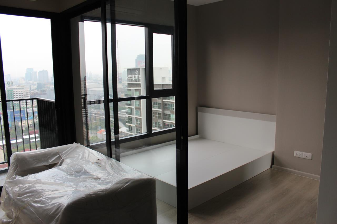 Piri Property Agency's one bedroom Condominium  on 25 floor For Sale 1 1