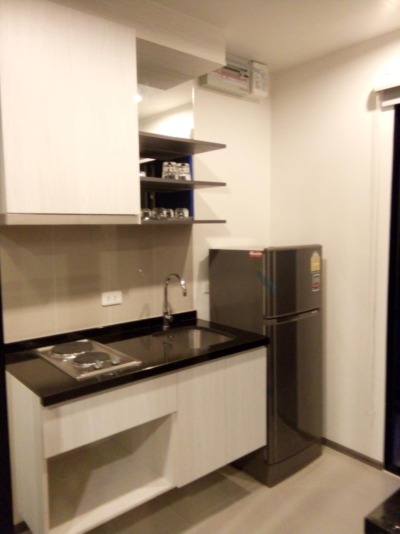 Piri Property Agency's 2 bedrooms Condominium  on 19 floor For Rent 2 8