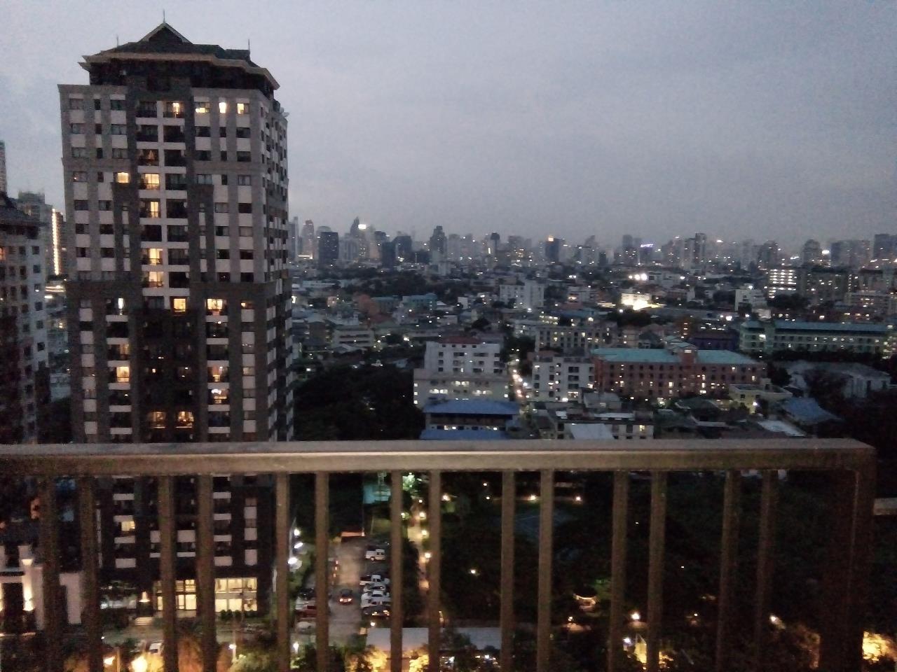 Piri Property Agency's 2 bedrooms Condominium  on 19 floor For Rent 2 10