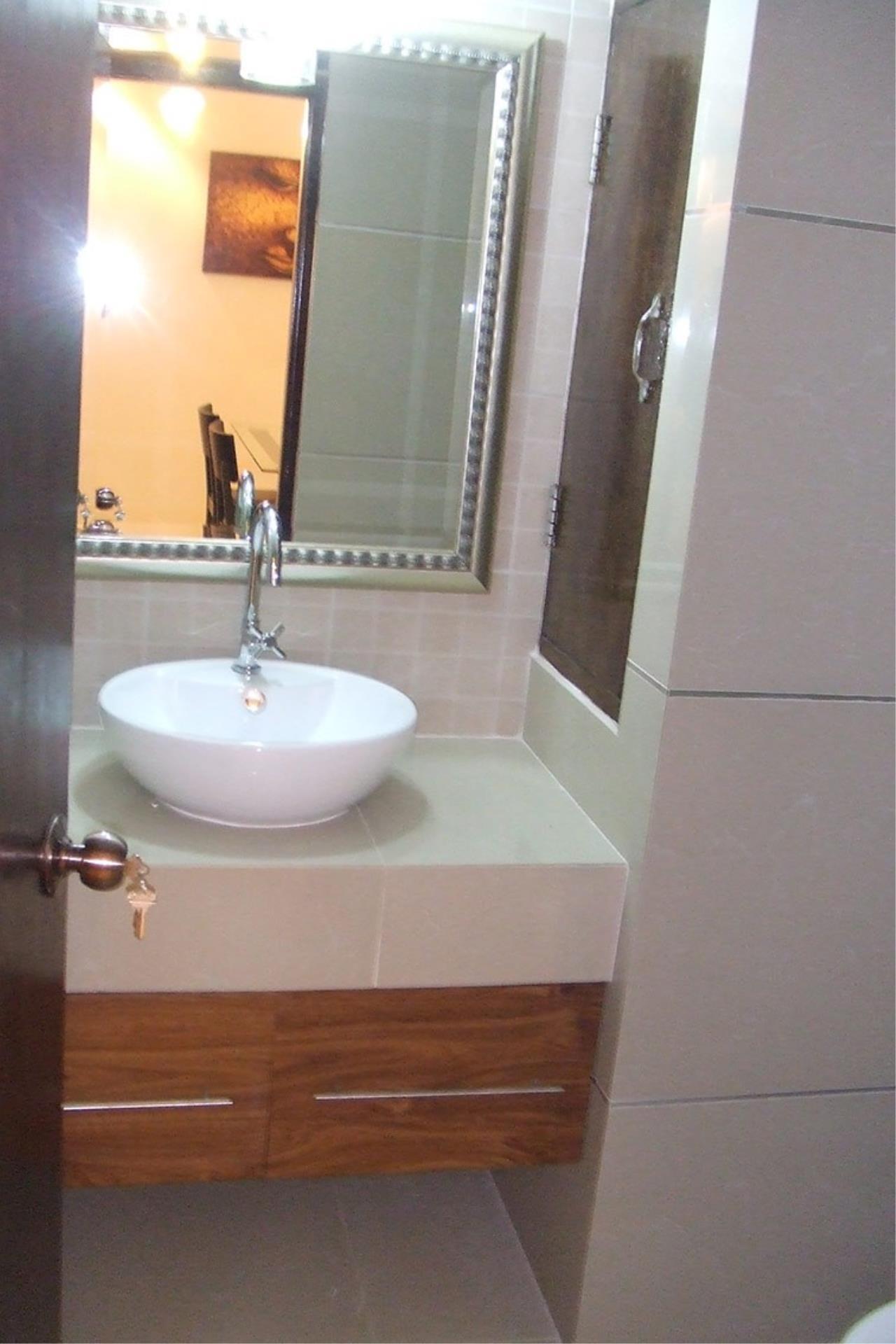 Piri Property Agency's 2 bedrooms Condominium  on 13 floor For Rent 2 3