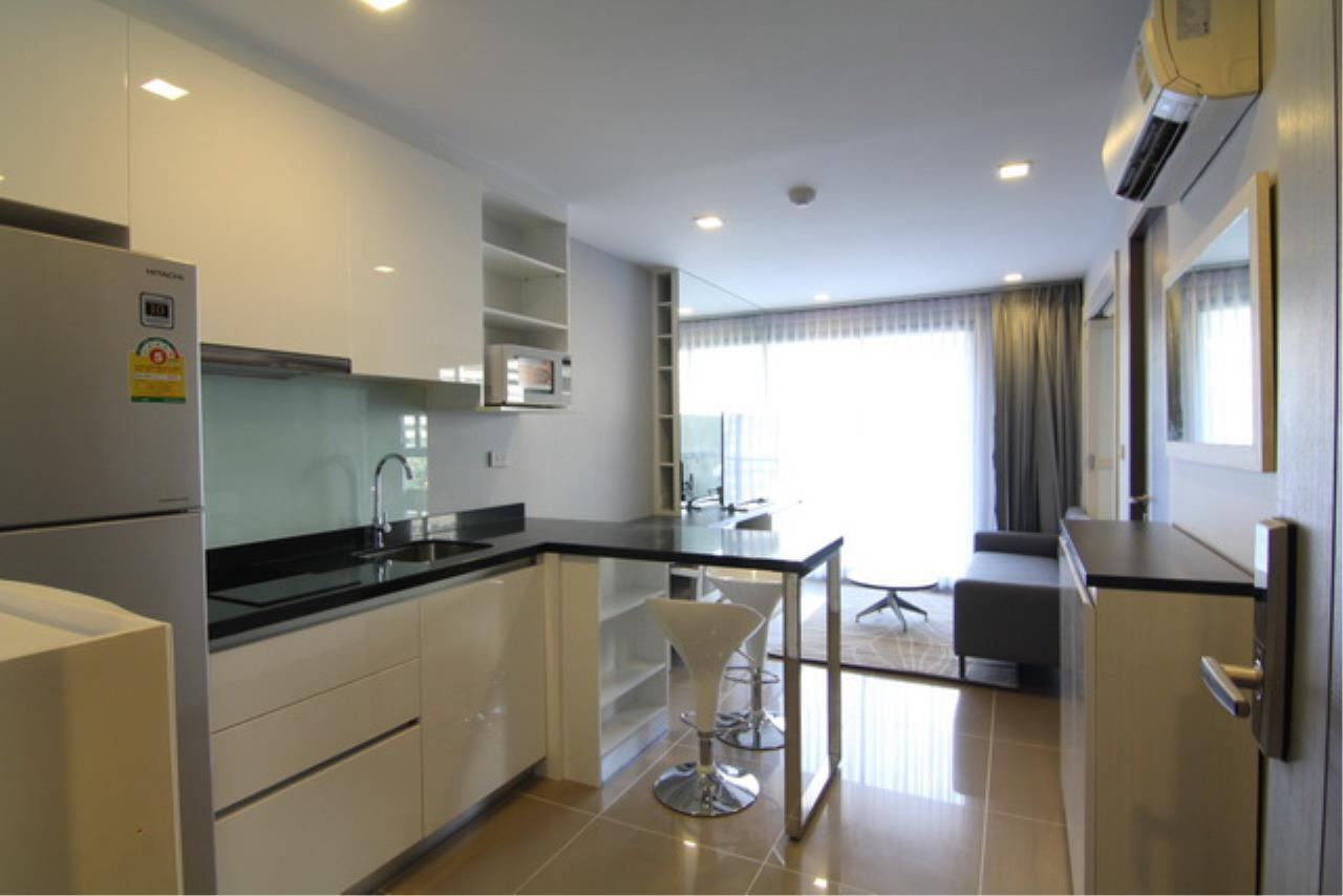 Piri Property Agency's one bedroom Condominium  on 4 floor For Sale 1 12