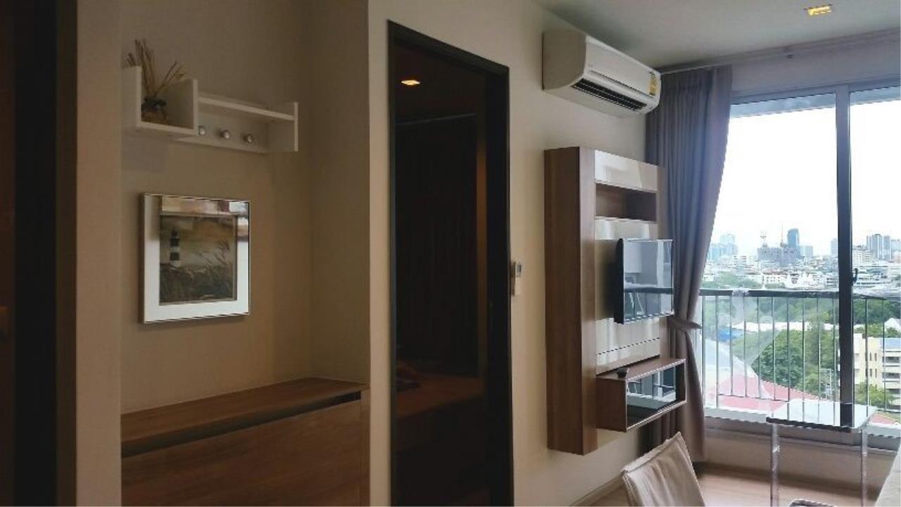 Piri Property Agency's one bedroom Condominium  on 9 floor For Rent 1 4