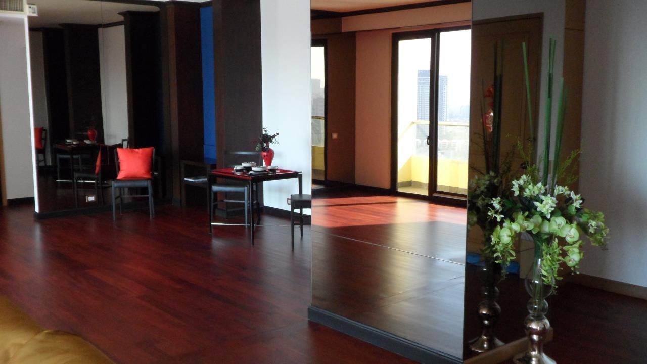 Piri Property Agency's 2 bedrooms Condominium  on 29 floor For Sale 2 5
