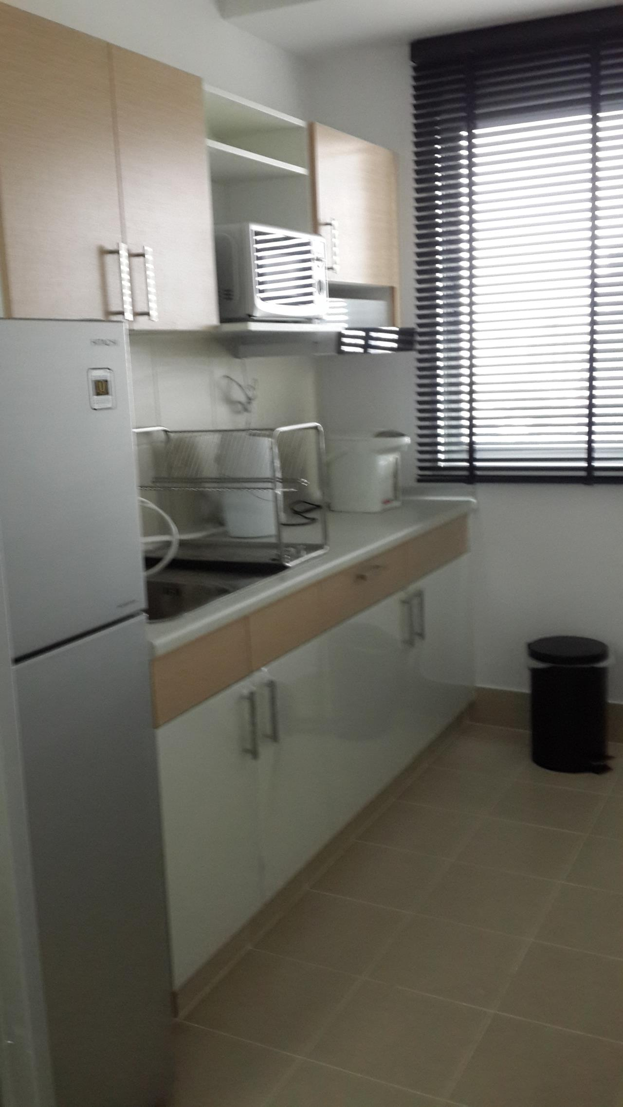 Piri Property Agency's one bedroom Condominium  on 24 floor For Rent 1 5