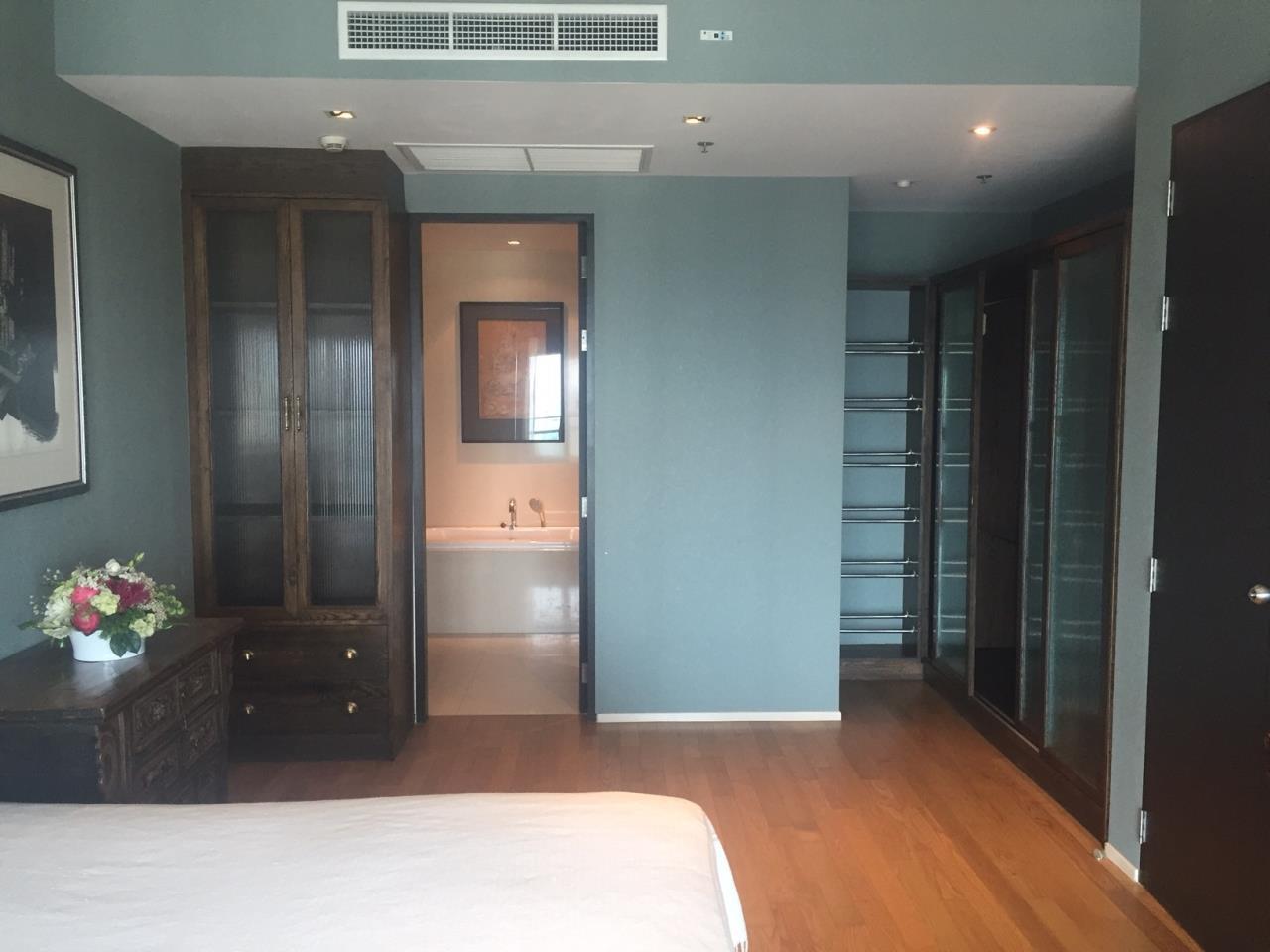 Piri Property Agency's 2 bedrooms Condominiumon 23 floor For Rent 2