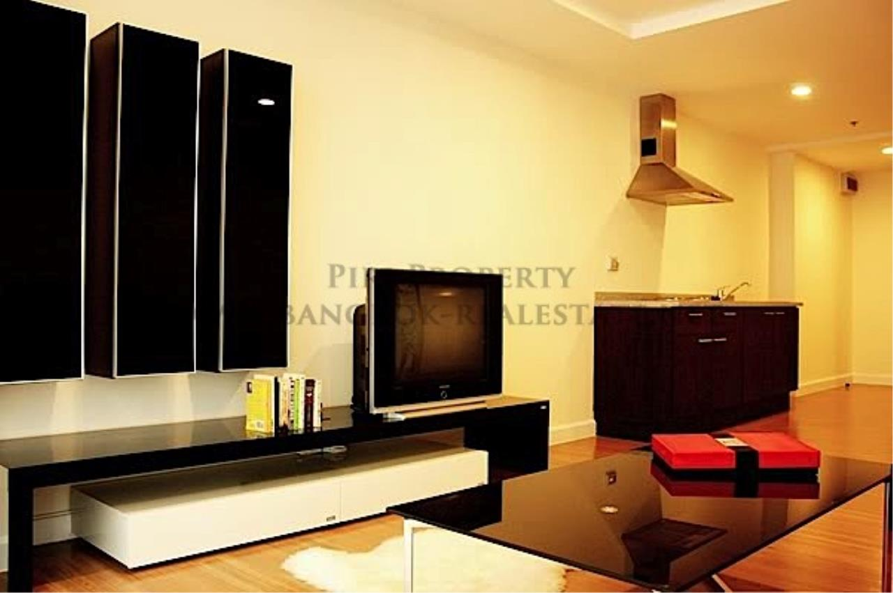 Piri Property Agency's Brand New High Rise Condo for Rent 1