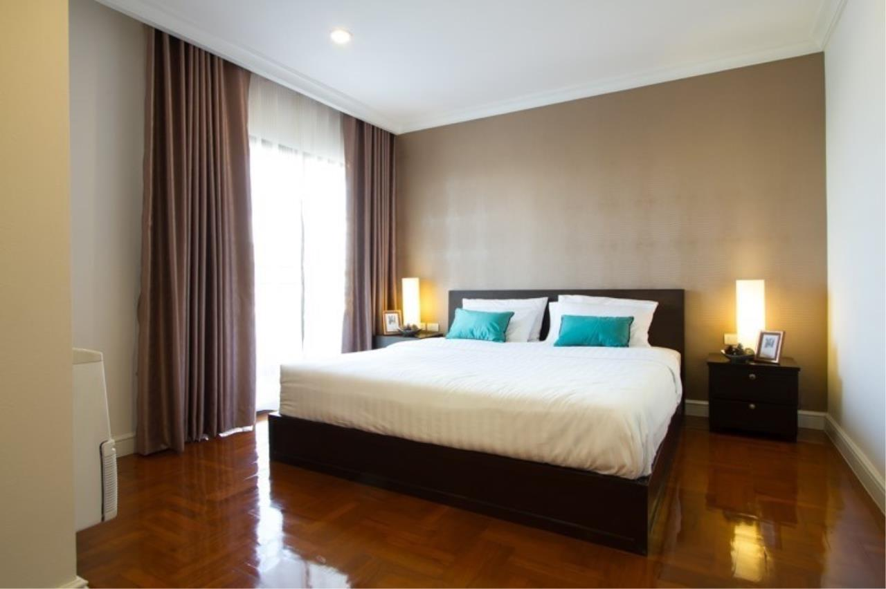 Piri Property Agency's 3 bedrooms Condominium  For Rent 3 6