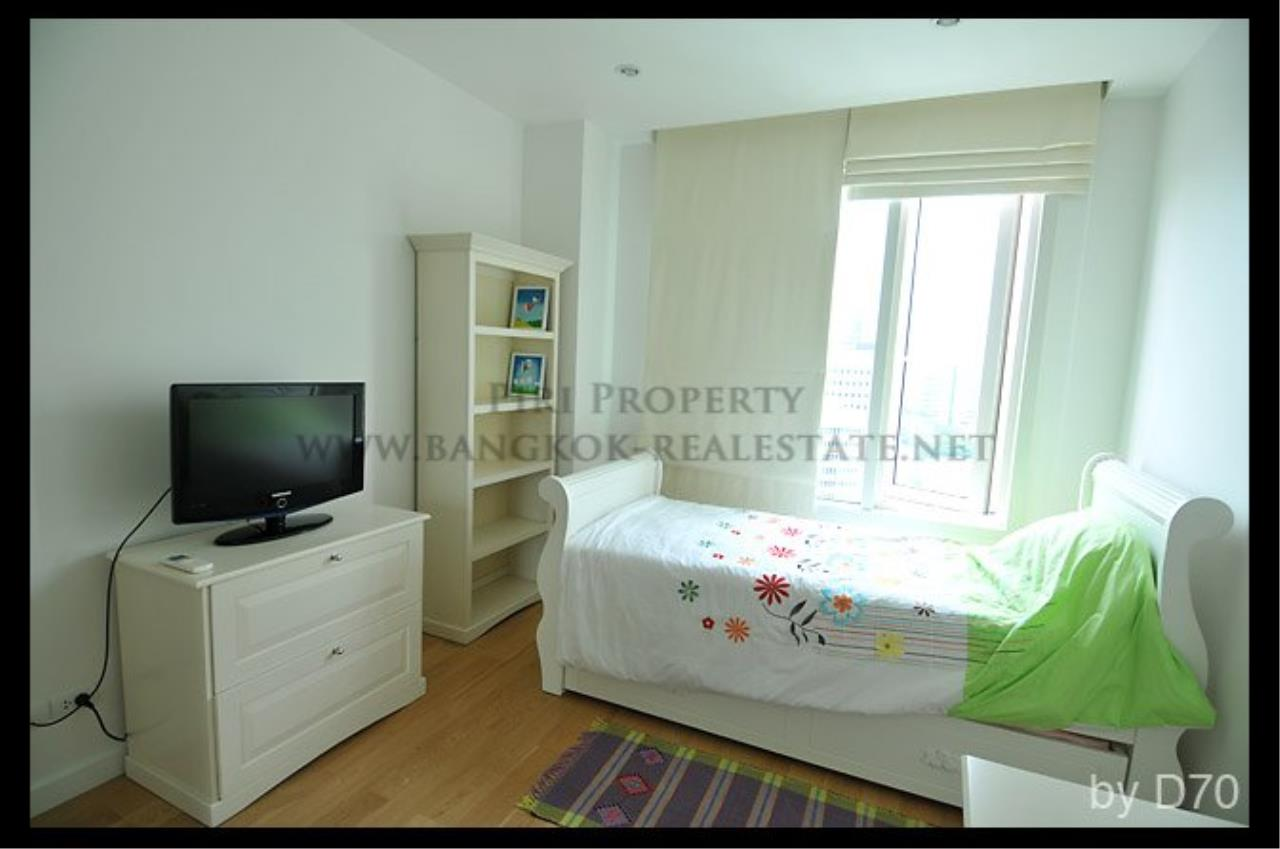 Piri Property Agency's Beautifully furnished 2 Bedroom Condo - Manhattan Chidlom 5
