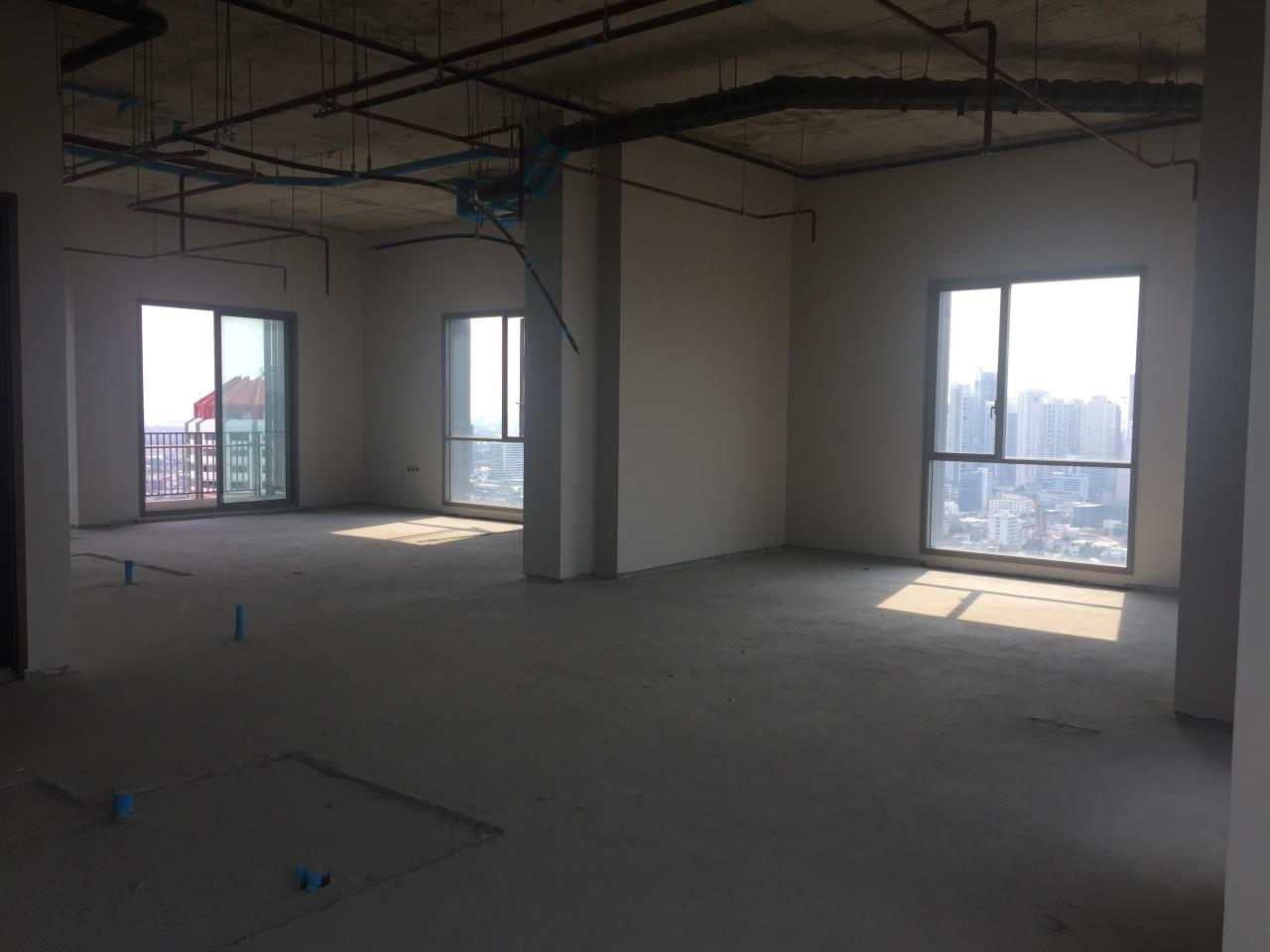 Piri Property Agency's 4 bedrooms Condominiumon 34 Building B floor For Sale 5