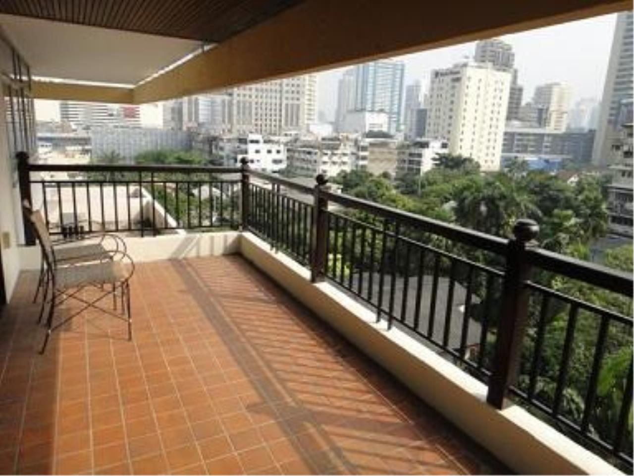 Piri Property Agency's 3 bedrooms Condominium  on 2 floor For Rent 3 8