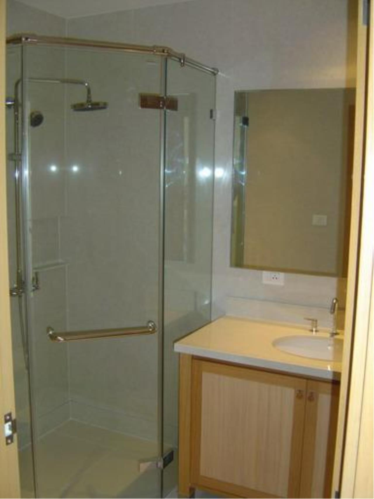 Piri Property Agency's one bedroom Condominium  on 3435 floor For Rent 1 7