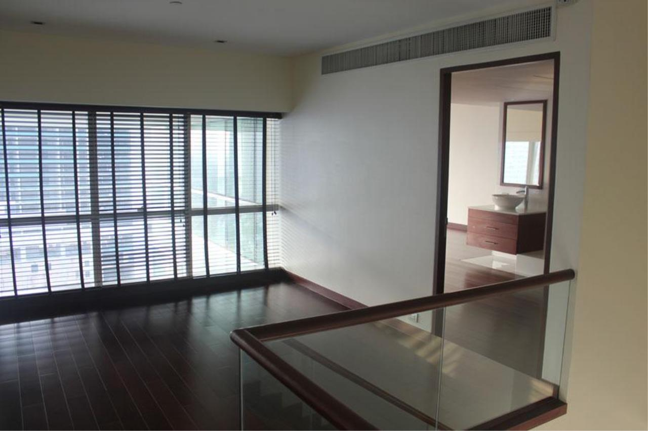 Piri Property Agency's 3 bedrooms Condominium  For Rent 3 19