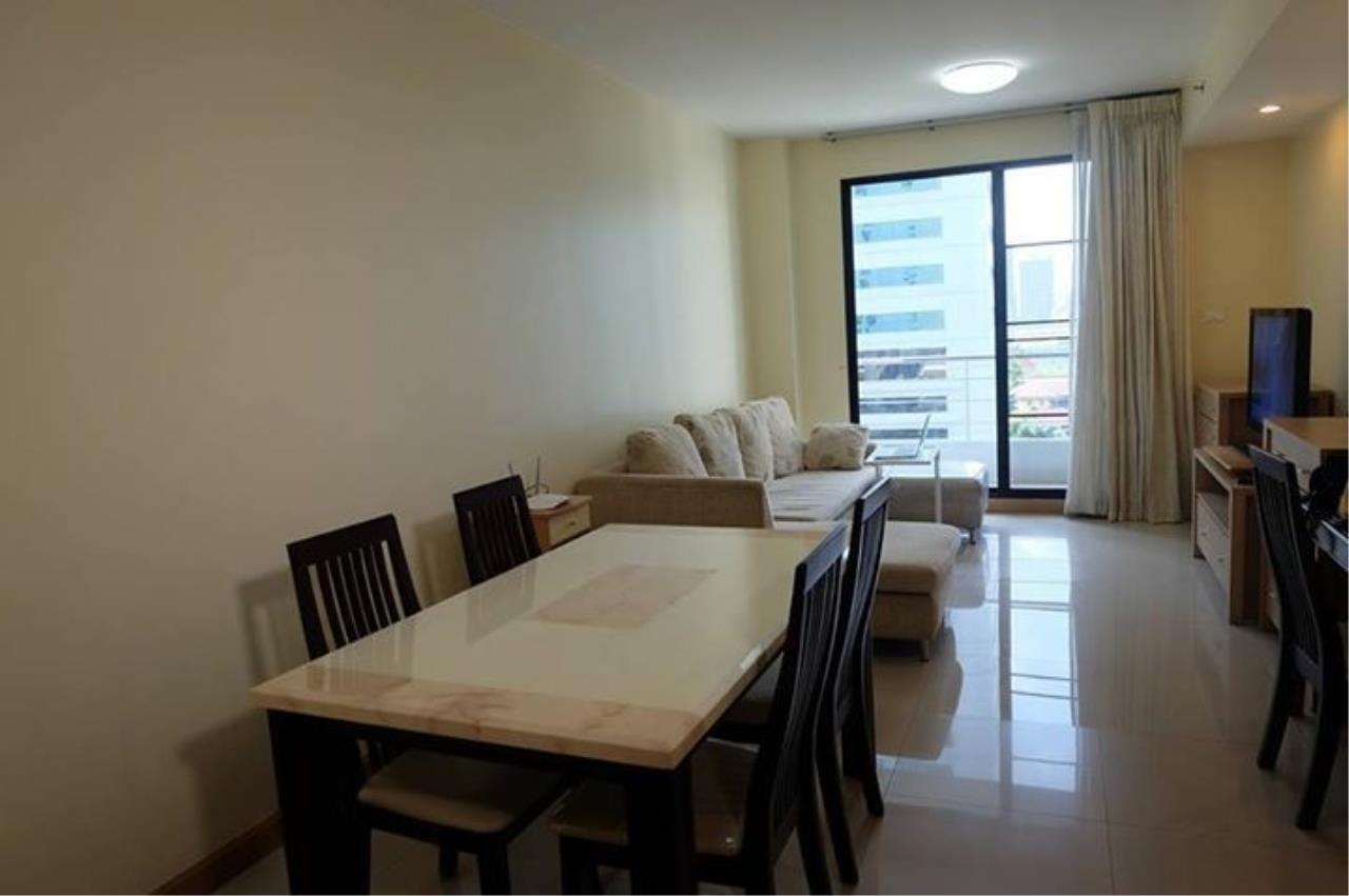 Piri Property Agency's 3 bedrooms Condominium  on 10 floor For Rent 3 2