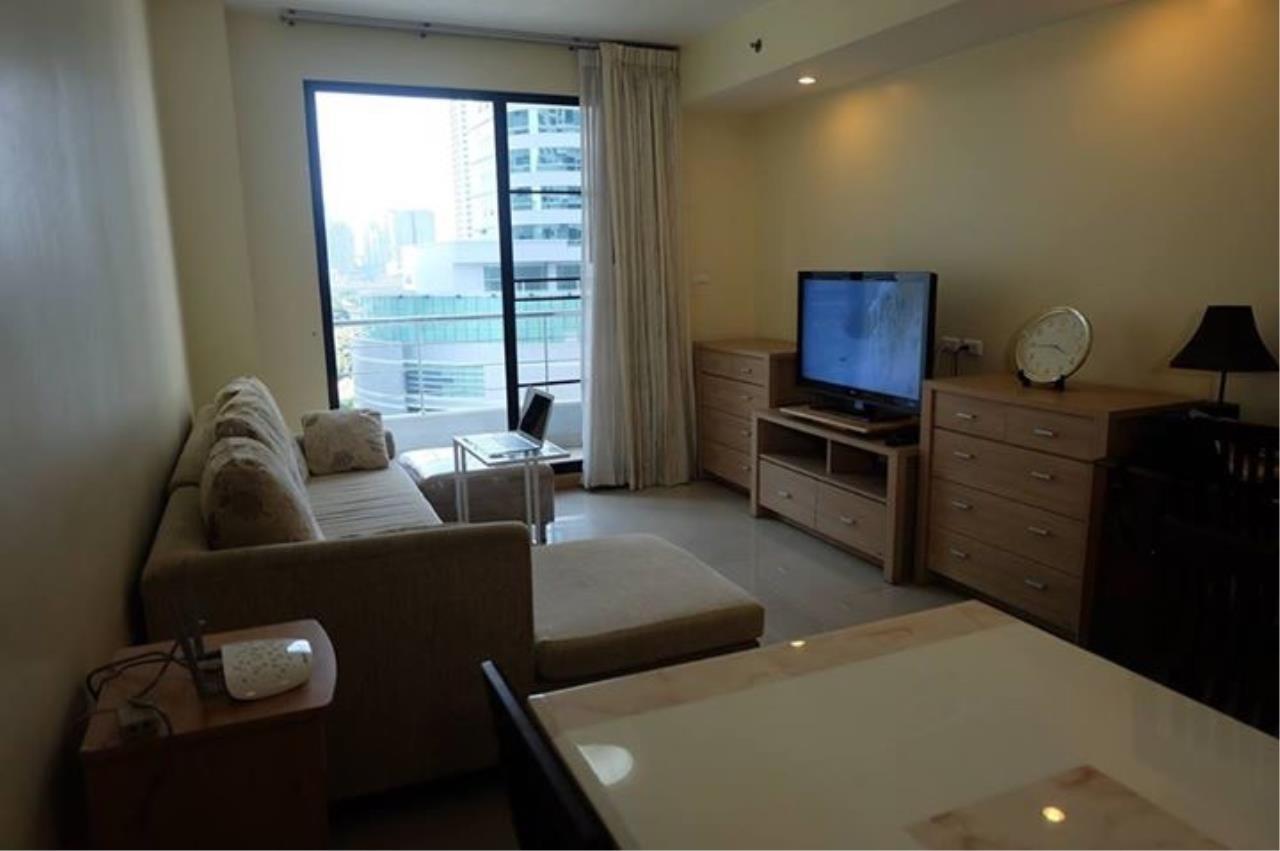 Piri Property Agency's 3 bedrooms Condominium  on 10 floor For Rent 3 3