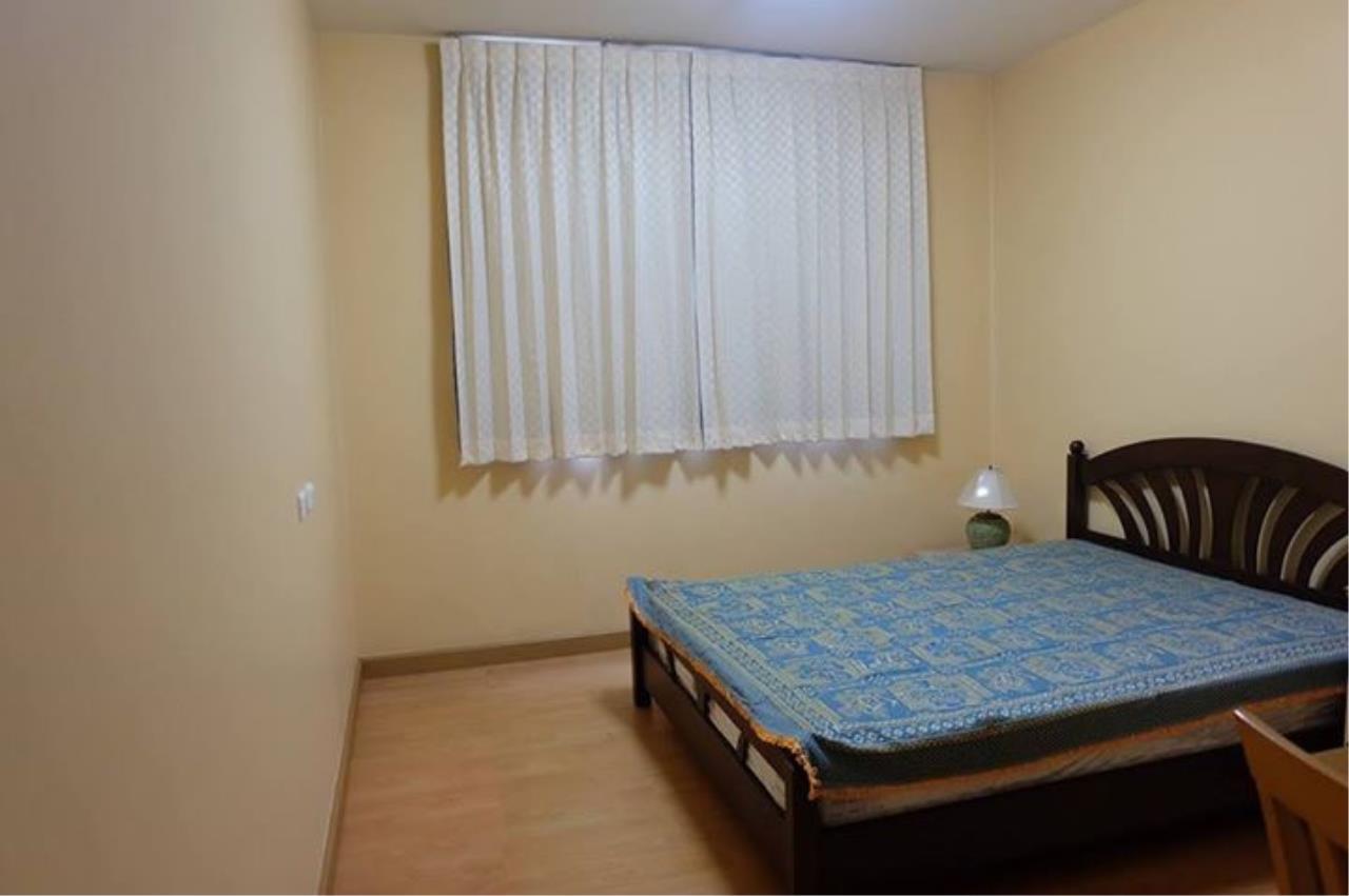 Piri Property Agency's 3 bedrooms Condominium  on 10 floor For Rent 3 6