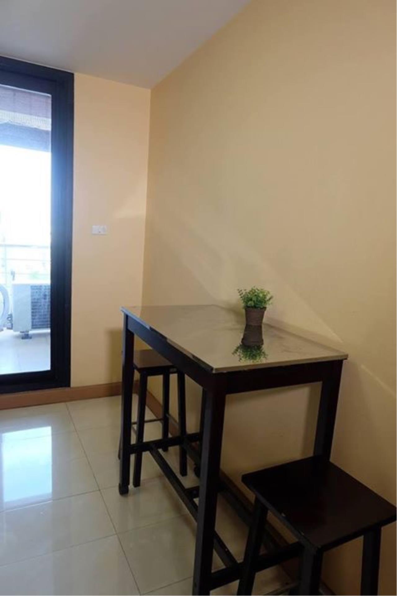 Piri Property Agency's 3 bedrooms Condominium  on 10 floor For Rent 3 8