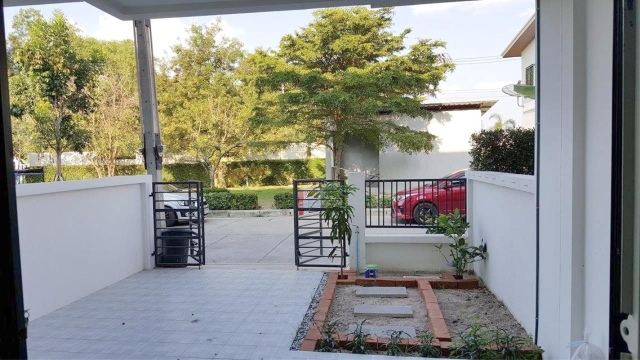 Centric C Realty Agency's Patta Town 3