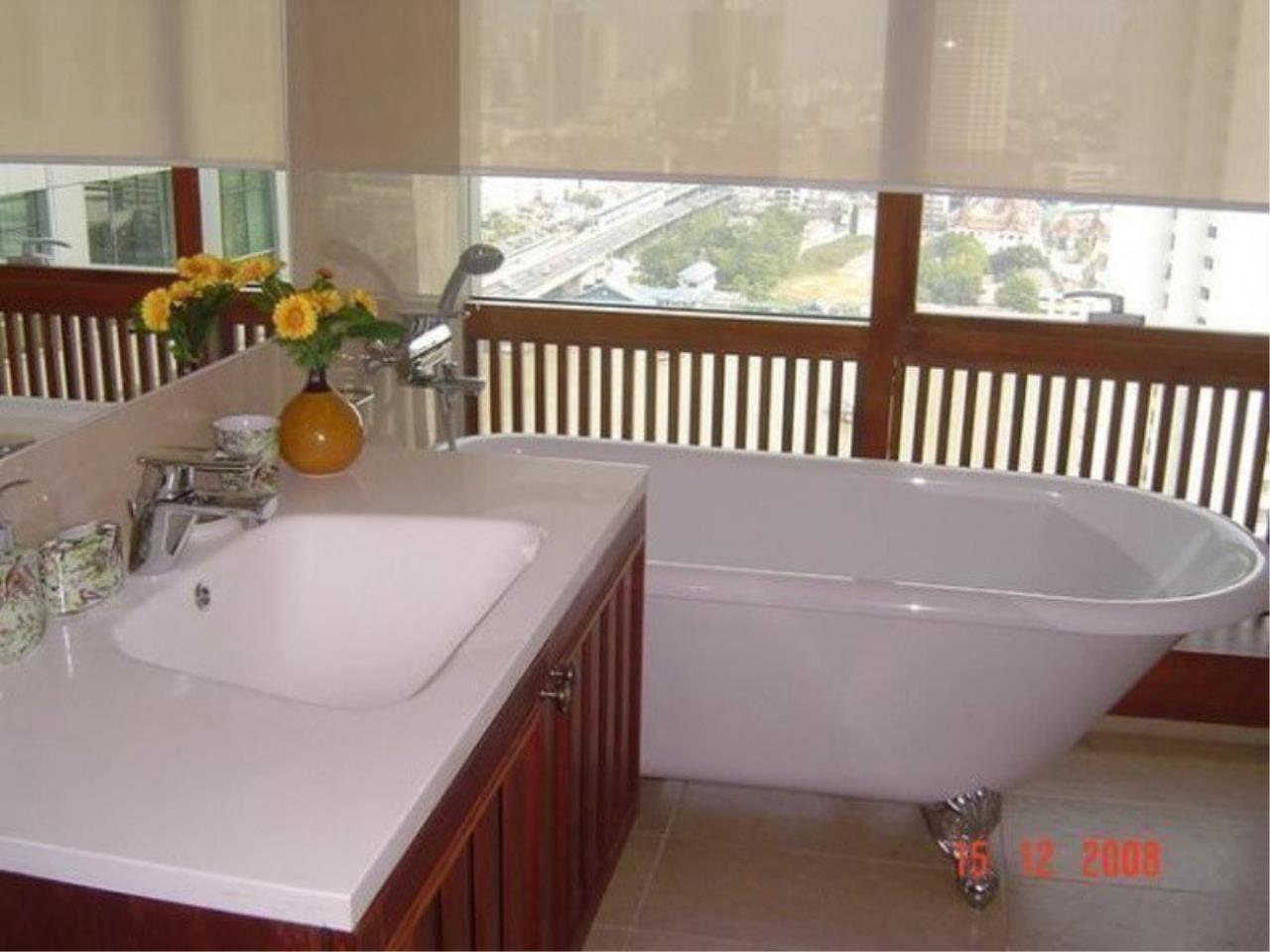 The One Residence Agency's condominium for rent at Baan Sathorn Chaopraya , 3BR , 2BA , 140SQM 7