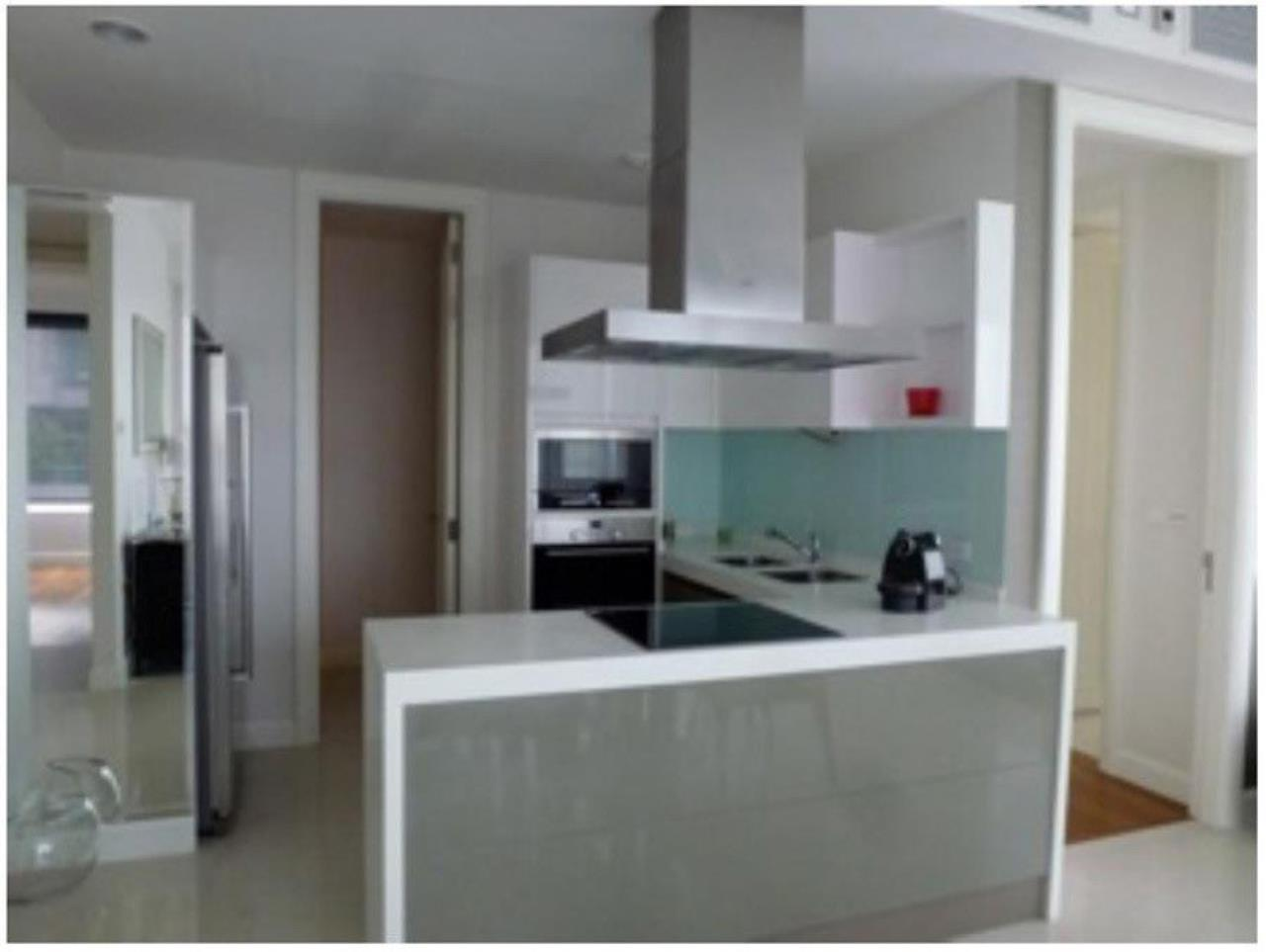 The One Residence Agency's condominium for rent at Q Langsuan , 3BR , 3BA , 135SQM 3