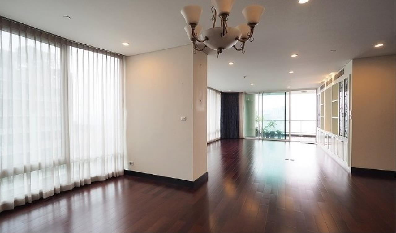 The One Residence Agency's condominium for rent at The Park Chidlom , 3BR , 4BA , 278SQM 2
