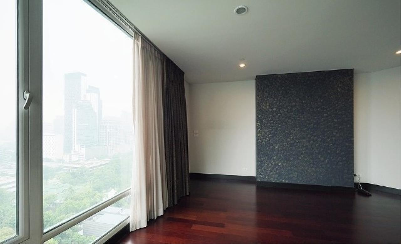 The One Residence Agency's condominium for rent at The Park Chidlom , 3BR , 4BA , 278SQM 5