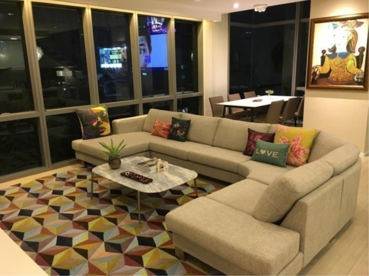 The One Residence Agency's condominium for rent at The Room Sukhumvit 21 , 2BR , 3BA , 128SQM 1