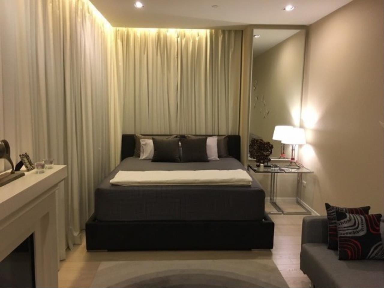 The One Residence Agency's condominium for rent at The Room Sukhumvit 21 , 2BR , 3BA , 128SQM 4
