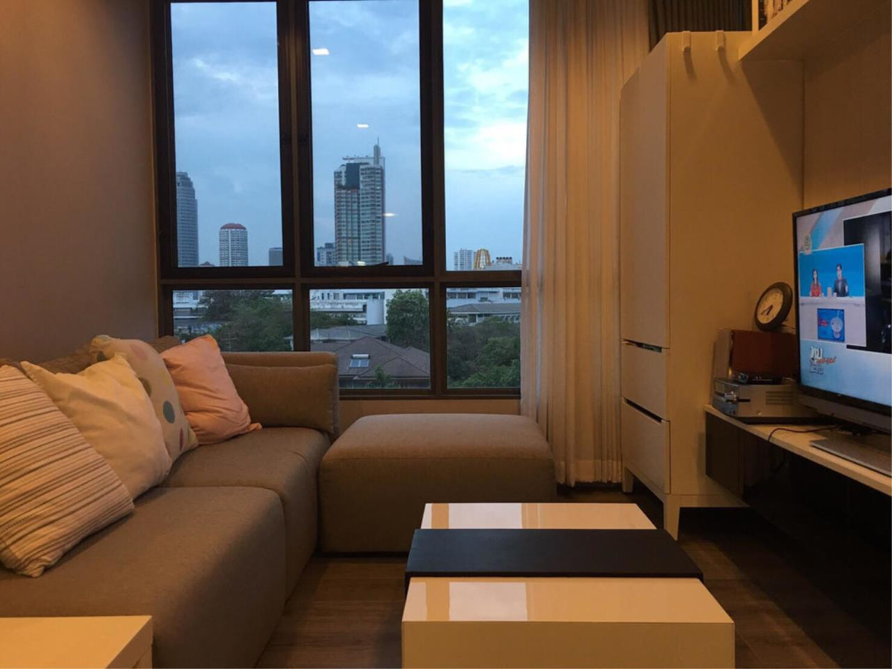 The One Residence Agency's condominium for sale , rent at The Room Sukhumvit 40 , 1BR , 1BA , 43SQM 3