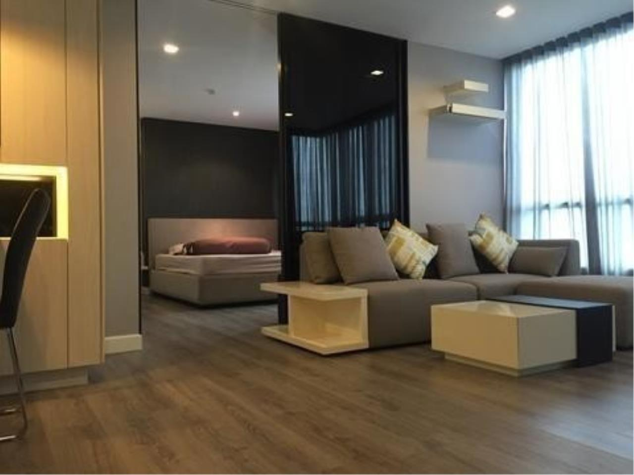 The One Residence Agency's condominium for rent at The Room Sukhumvit 40 , 1BR , 1BA , 50SQM 1