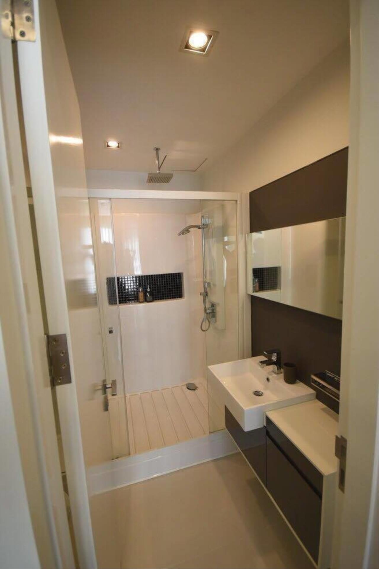 The One Residence Agency's condominium for rent at The Room Sukhumvit 62 , 1BR , 1BA , 45SQM 2