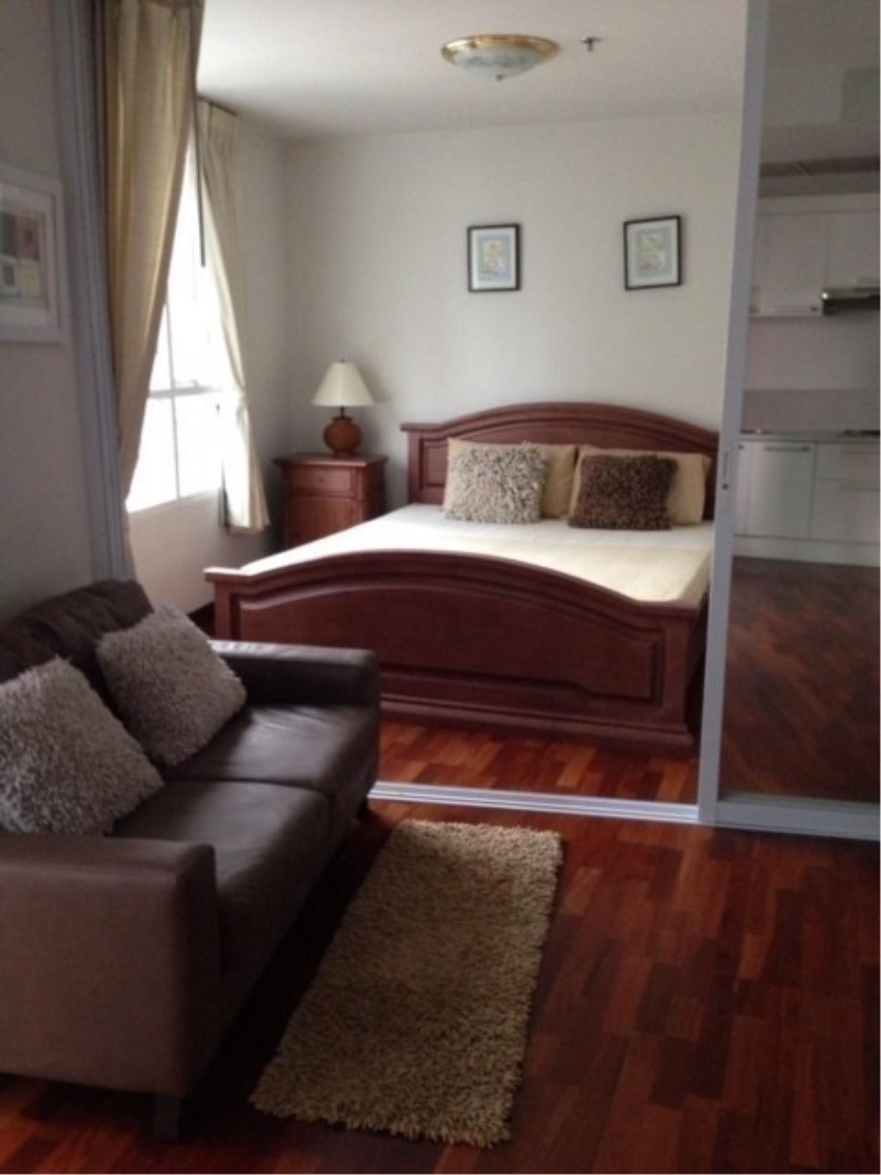 The One Residence Agency's condominium for rent at Urbana Langsuan , 1BR , 1BA , 50SQM 5