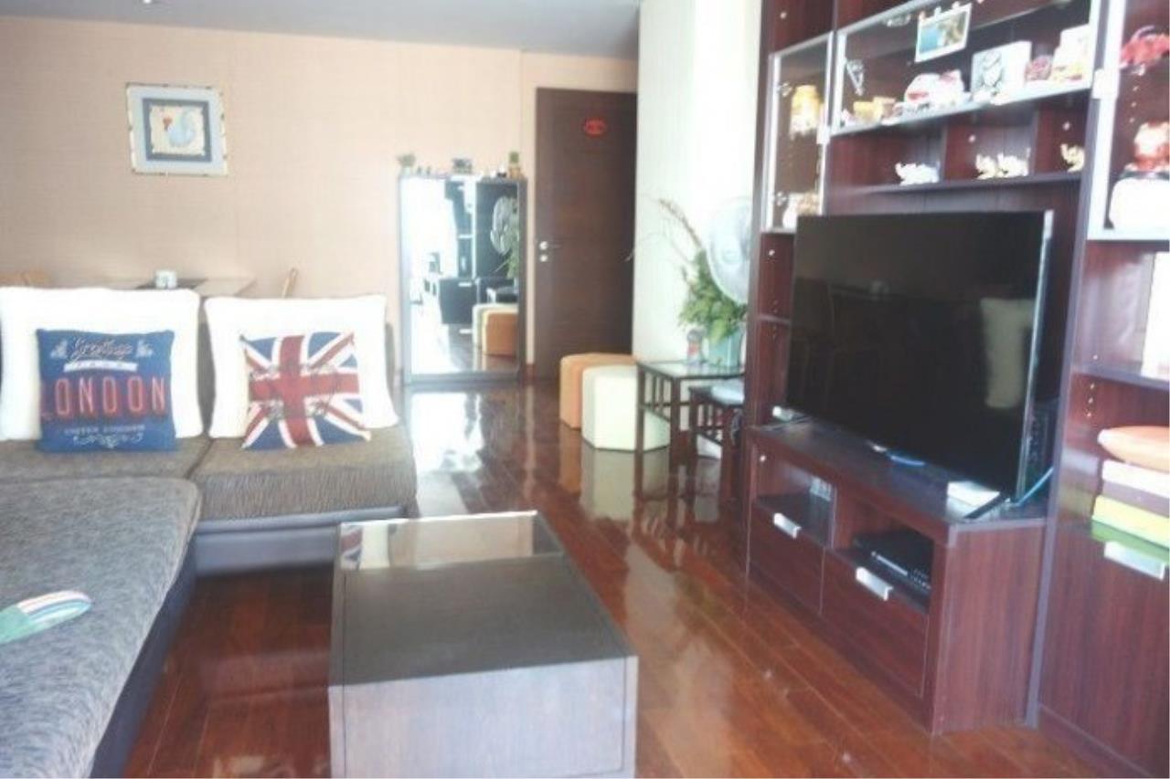The One Residence Agency's condominium for rent at Urbana Langsuan , 1BR , 1BA , 65SQM 3