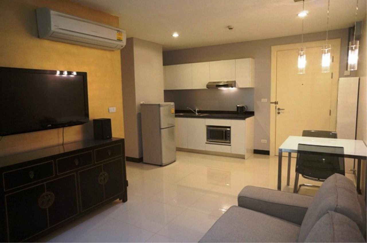The One Residence Agency's condominium for rent at Voque Sukhumvit 16 , 1BR , 1BA , 50SQM 3