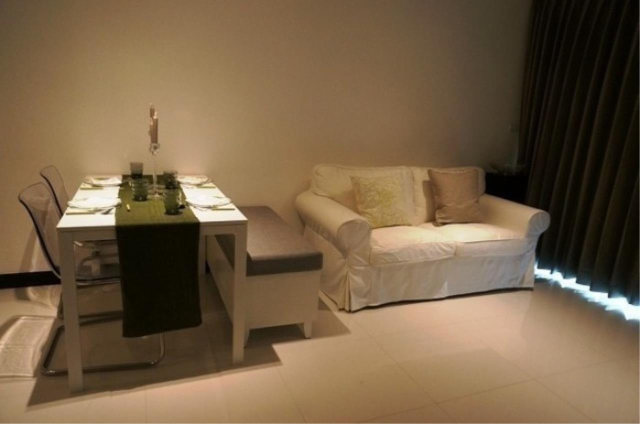 The One Residence Agency's condominium for rent at Voque Sukhumvit 16 , 2BR , 2BA , 70SQM 1