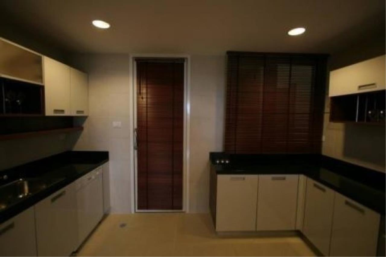 The One Residence Agency's condominium for rent at Wilshire , 3BR , 3BA , 206SQM 2